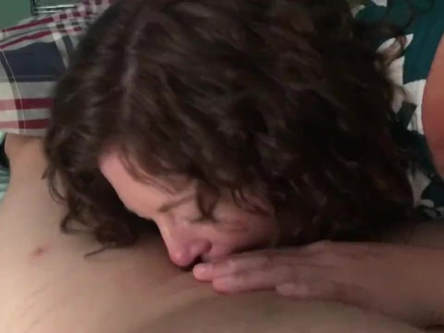 Black girl knows how to suck dick