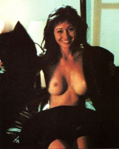 Shannen doherty topless
